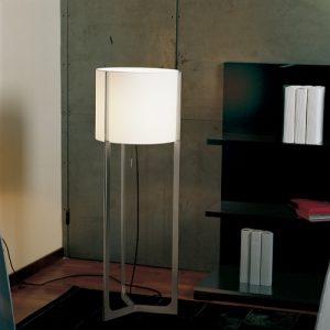 Le lampadaire Nirvana de Carpyen Barcelona, disponible chez l'Atelier Marceau