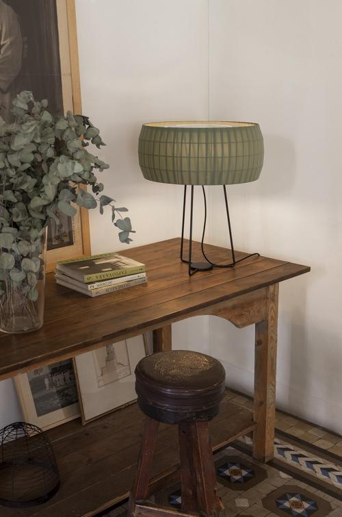 lampe à poser isamu de carpyen barcelona, disponible chez l'Atelier Marceau